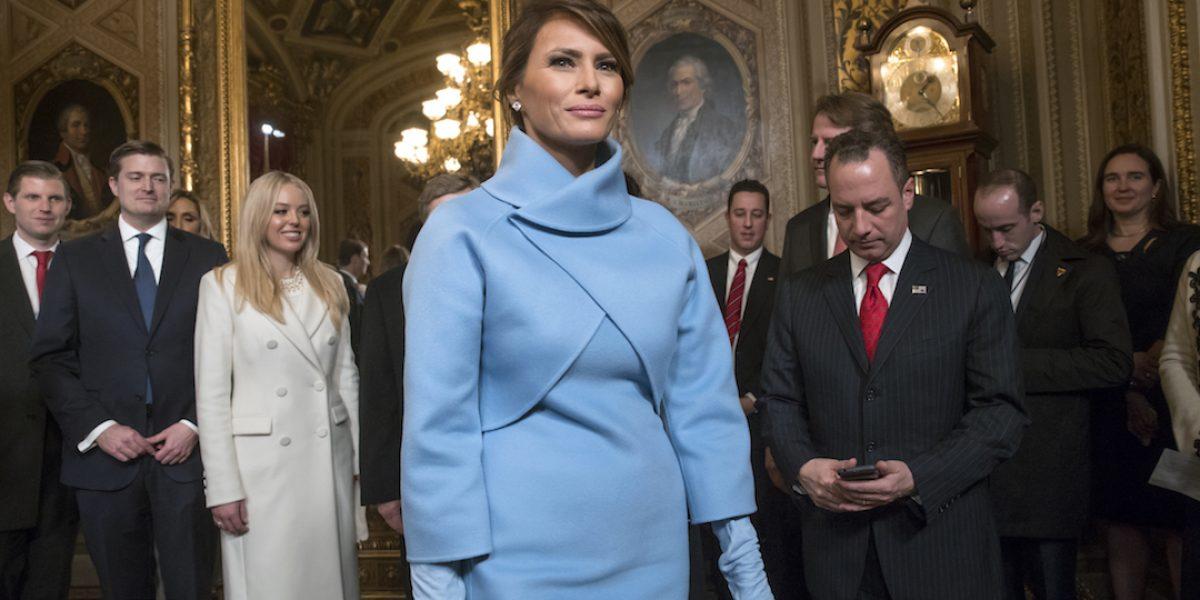 Piden boicot a Ralph Lauren por vestir a Melania Trump