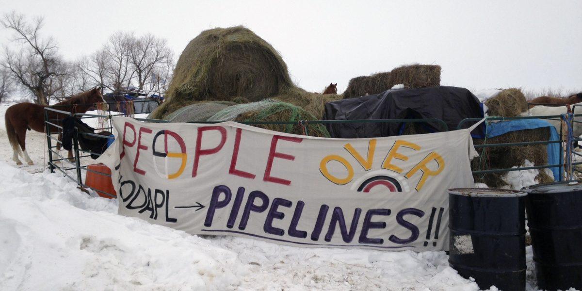 Trump firma Orden Ejecutiva para dar paso a construcción de controversiales oleoductos
