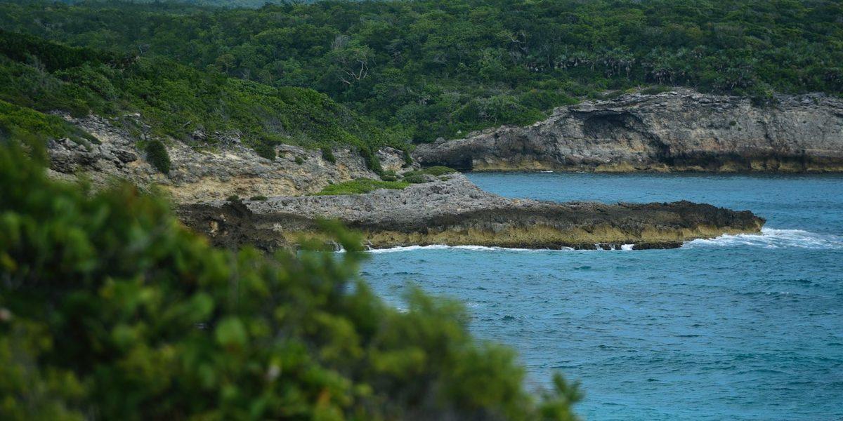 Bombardeos dan paso al turismo en Vieques