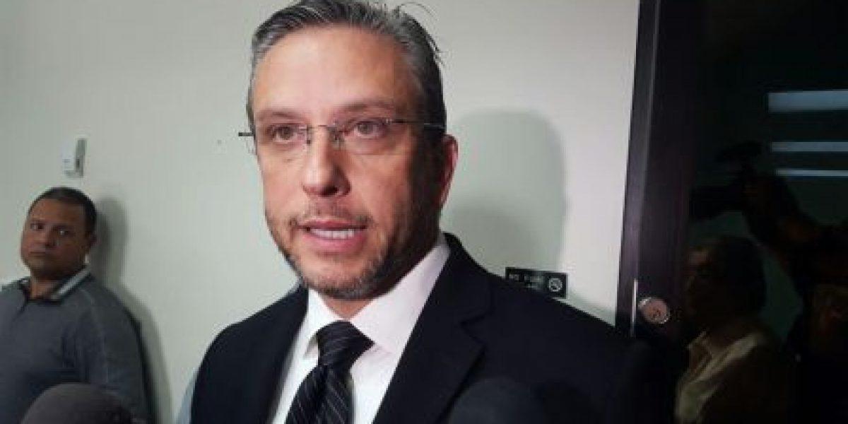 Cámara considera citar a García Padilla por compra de helicóptero