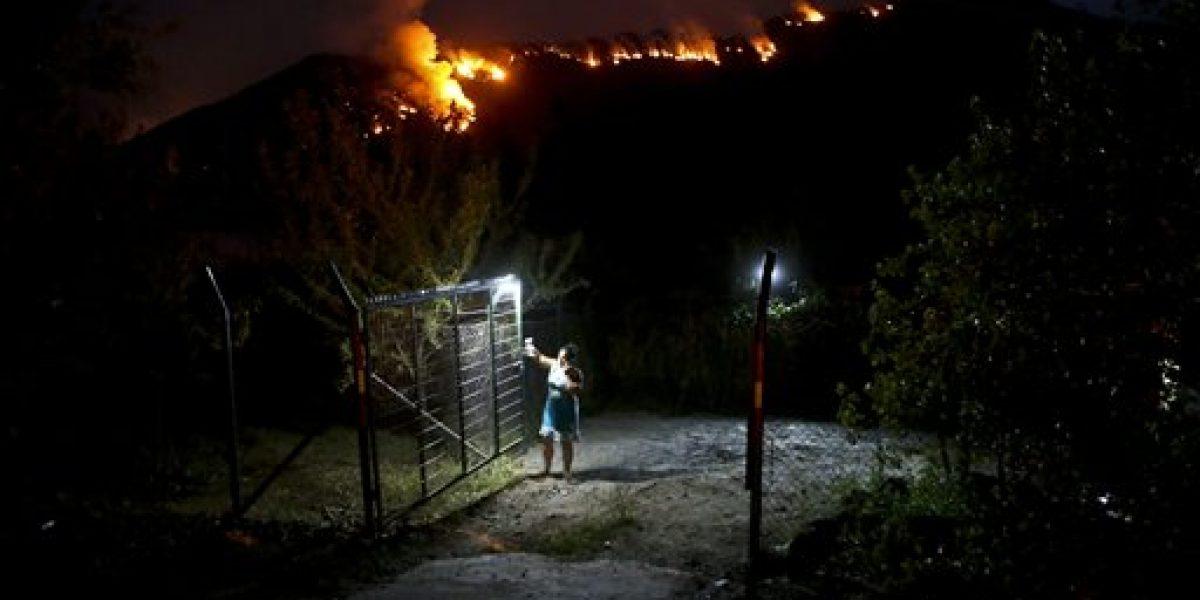 Incendios forestales consumen comunas del sur chileno