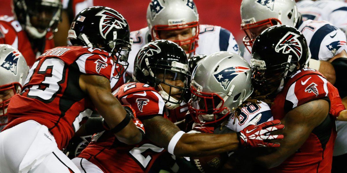Patriots y Falcons jugarán sobre terreno artificial y techo abierto