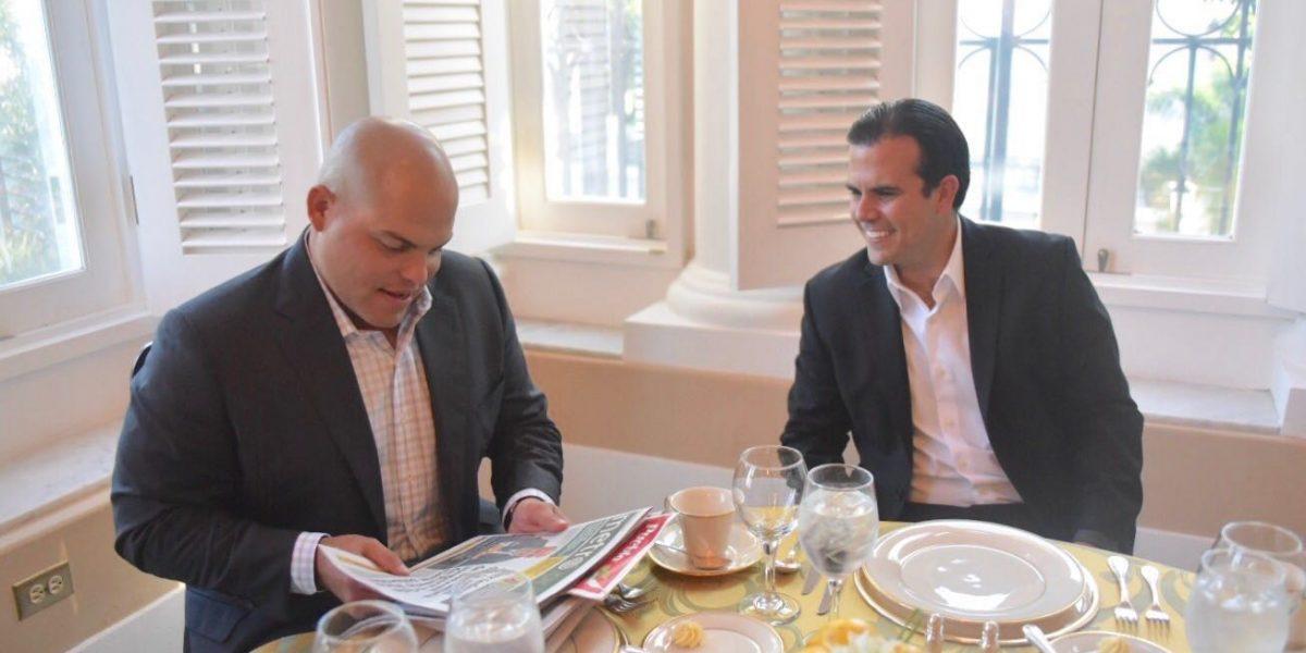 Gobernador recibe a Iván Rodríguez en La Fortaleza