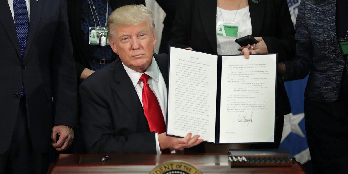 Irán aprueba la prohibición de viajar a los EE.UU. en respuesta a la Orden ejecutiva de Trump
