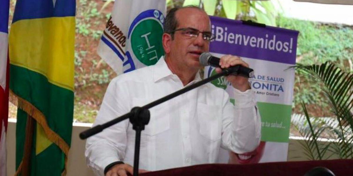 Acevedo Vilá busca presidir el PPD