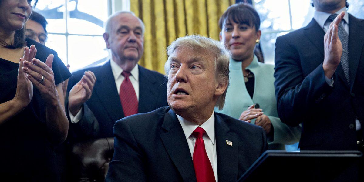 Trump amenaza con enviar tropas a México