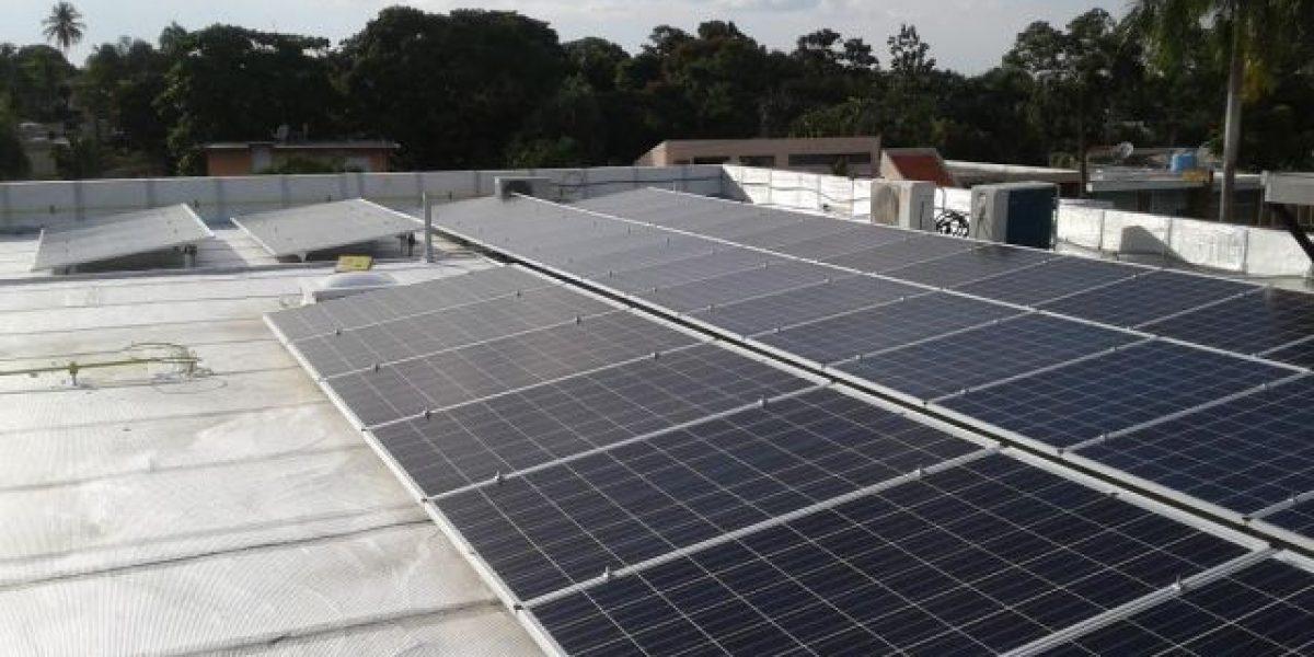 Crean alianza compañía de sistemas fotovoltaicos y ferreterías de la comunidad