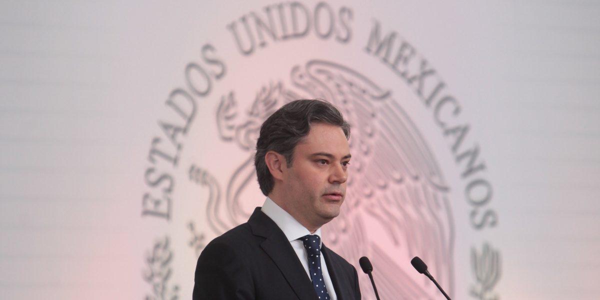 México facilitará convalidación de estudios a mexicanos retornados de EE.UU.