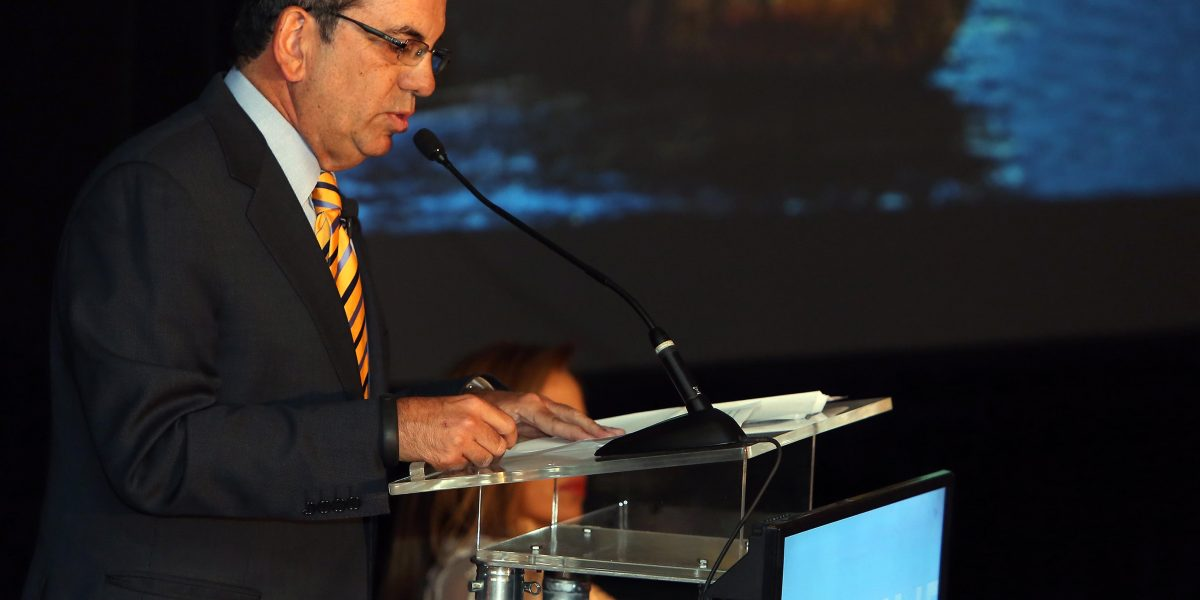 Acevedo Vilá anuncia su aspiración a presidir el PPD