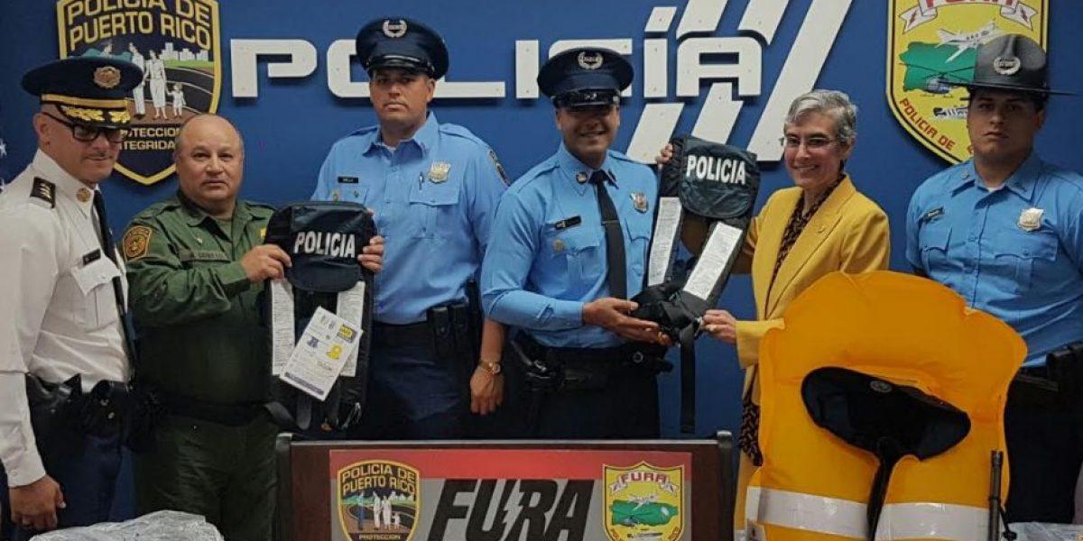 Superintendente entrega 140 chalecos salvavidas a FURA
