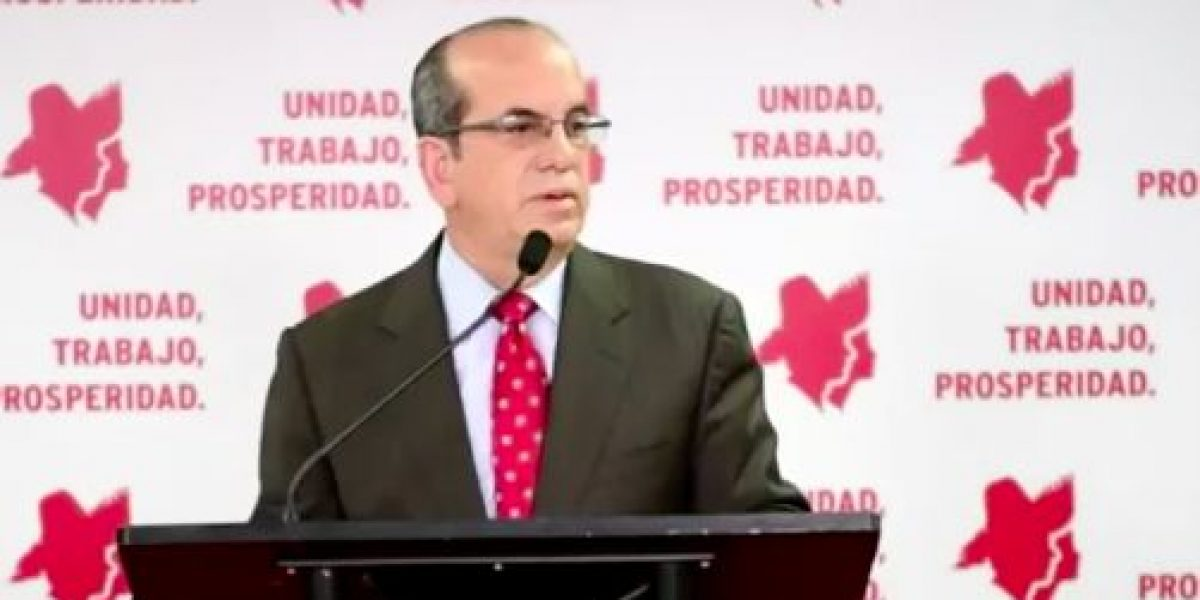 Aníbal Acevedo Vilá adopta la pava de Bernier