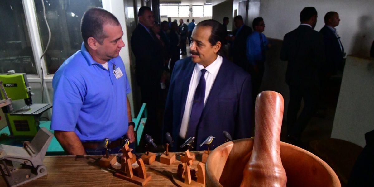 Fortaleza abre diálogo con Vargas Vidot sobre condenas por drogas