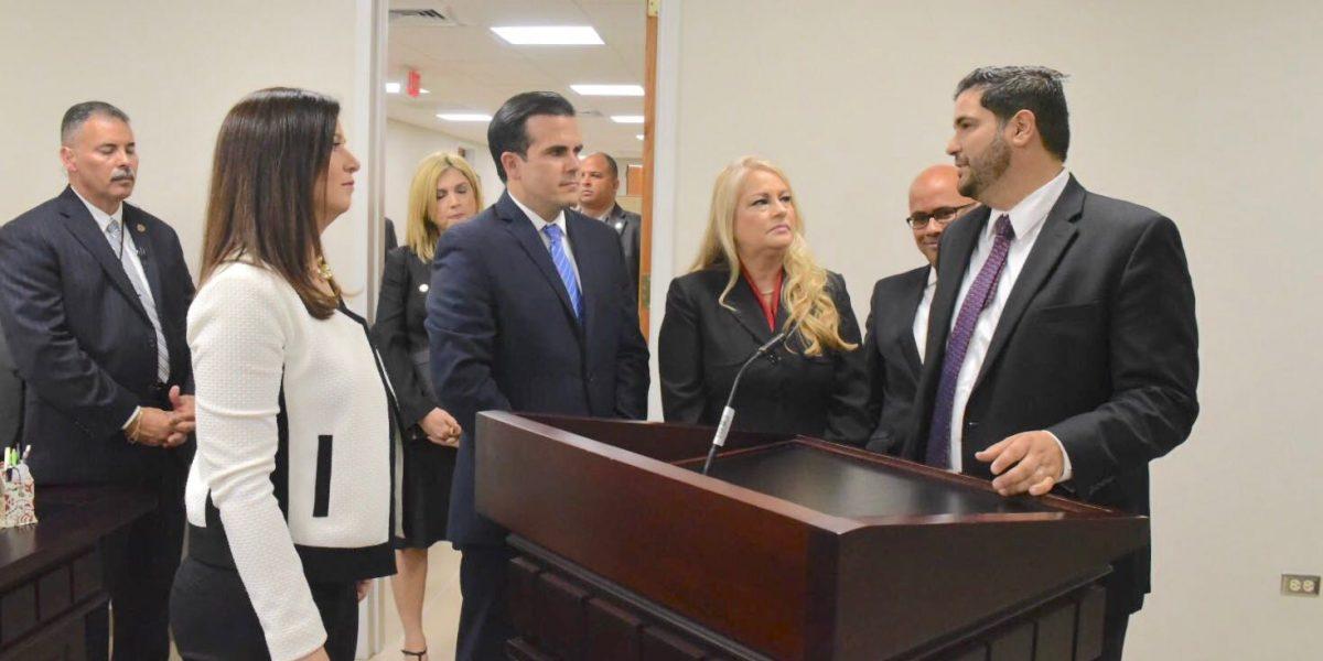 Gobernador visita tribunal en Caguas