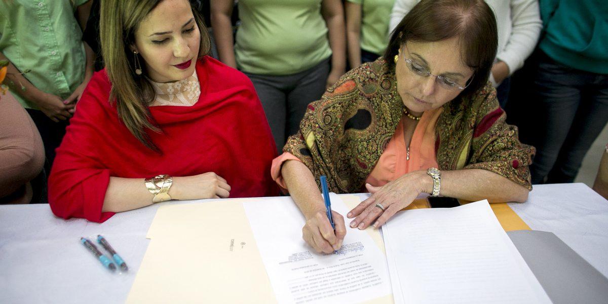 Proyecto Nacer y Servicios Legales firman acuerdo