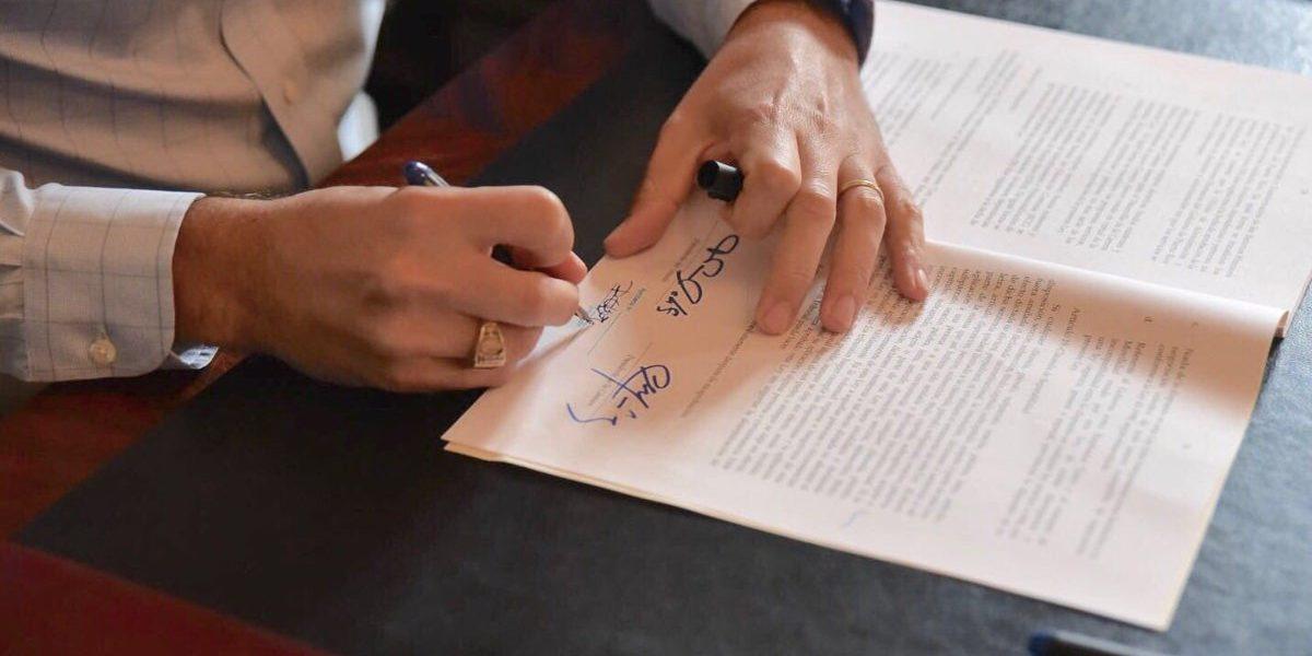 Rosselló firma la ley del Empleador Único