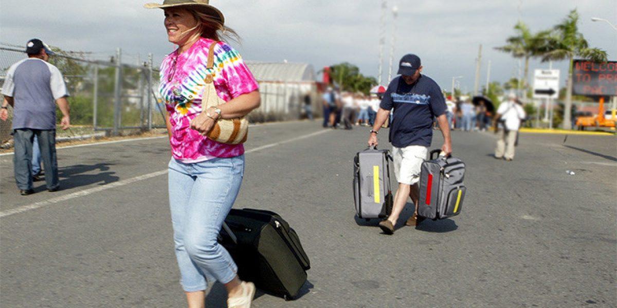 Rompe récord cantidad de boricuas que emigraron en 2015