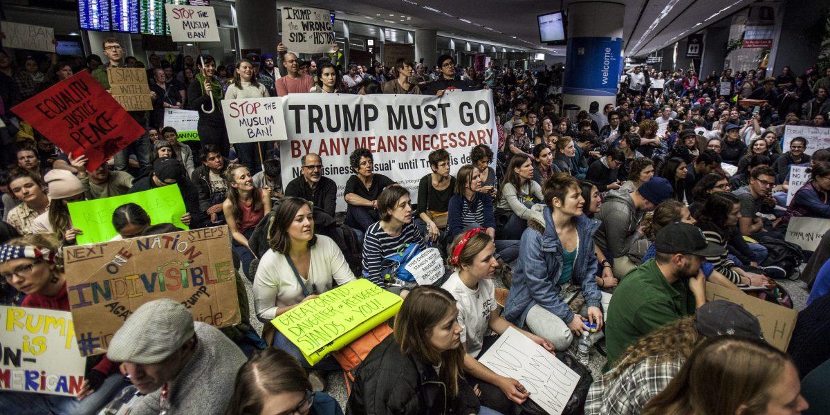 Compañías de tecnologías se unen para resistir veto de Trump