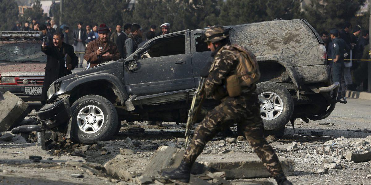 Ataque suicida deja por lo menos 19 muertos en Afganistán