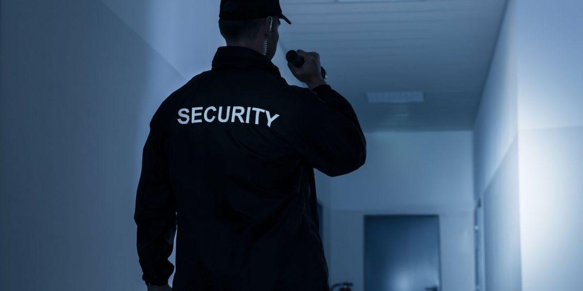 Se dispara la contratación de guardias de seguridad sin experiencia