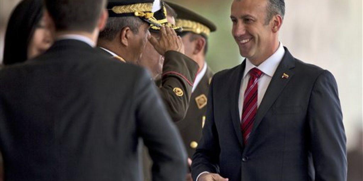 Legisladores de EE.UU. instan a Trump a sancionar a Venezuela