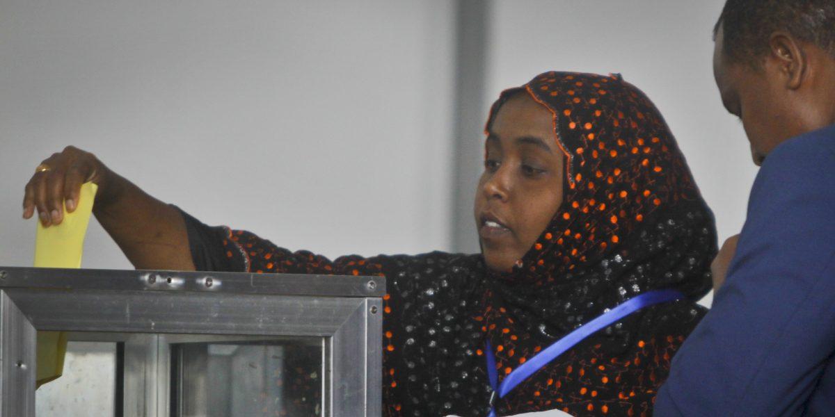 Somalia elige presidente bajo la amenaza de ataques