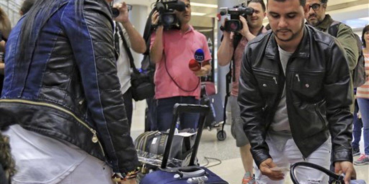Llegan a EE.UU. últimos médicos desertores cubanos