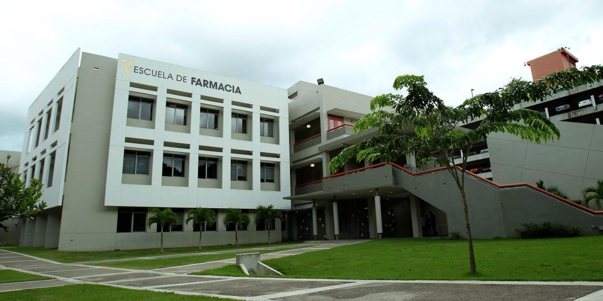 Estudiantes de farmacia de UPR superan el promedio nacional en reválida