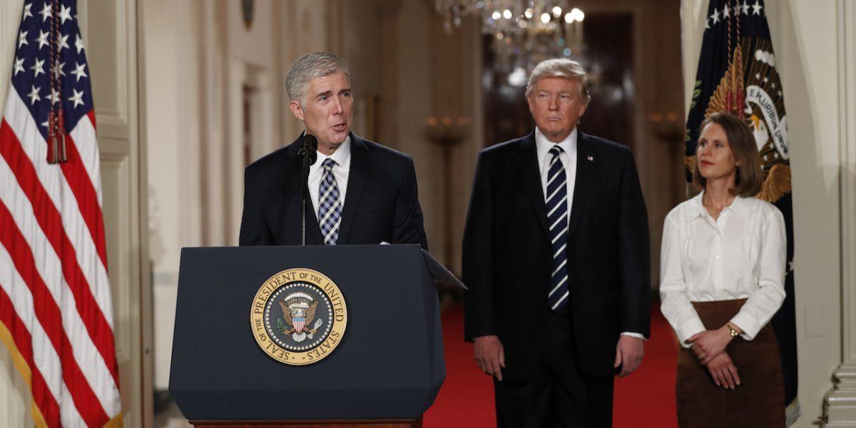 Trump llama mentiroso a senador que reveló criticas de nominado al Supremo