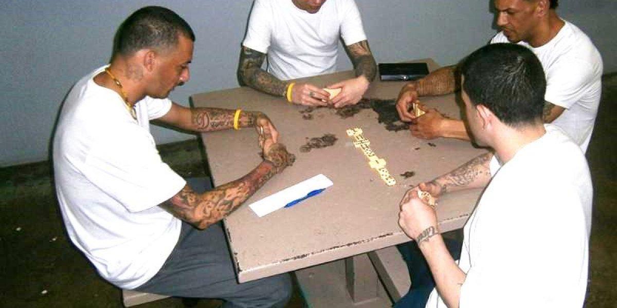 Entregan materiales de juego pasivo a presos en Aguadilla 778