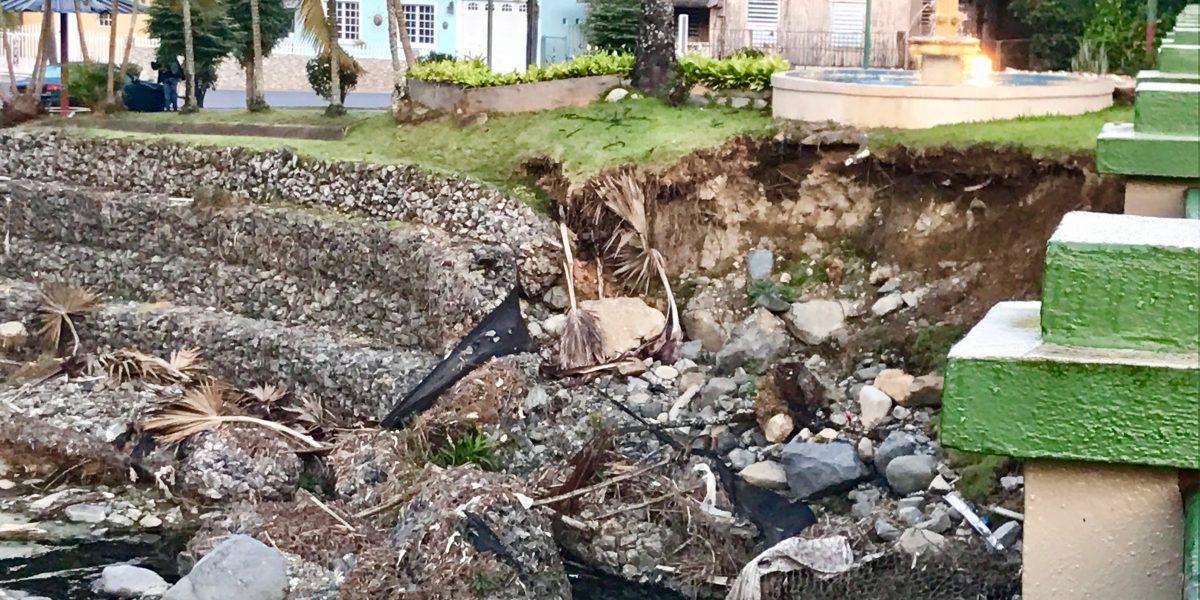 Inspeccionan por peligrosidad el río Cidra en Adjuntas
