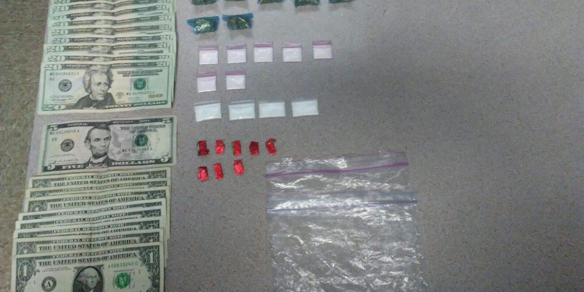 Arrestan dos jóvenes con cocaína en Cayey
