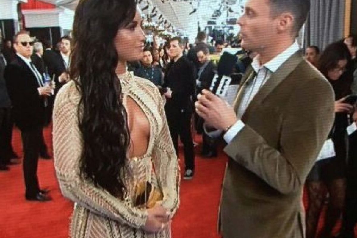 6/28 Demi Lovato, copiando a Kim Kardashian pero mal. Todo mal.