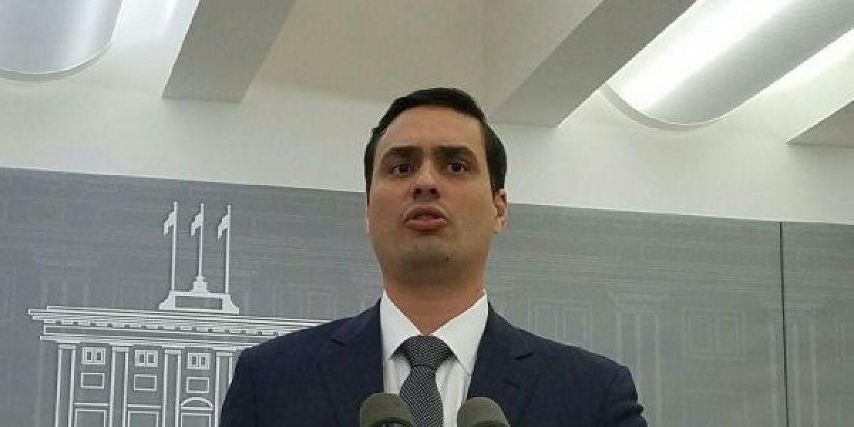 Fortaleza emplaza a alcaldes a allegar fondos a la UPR