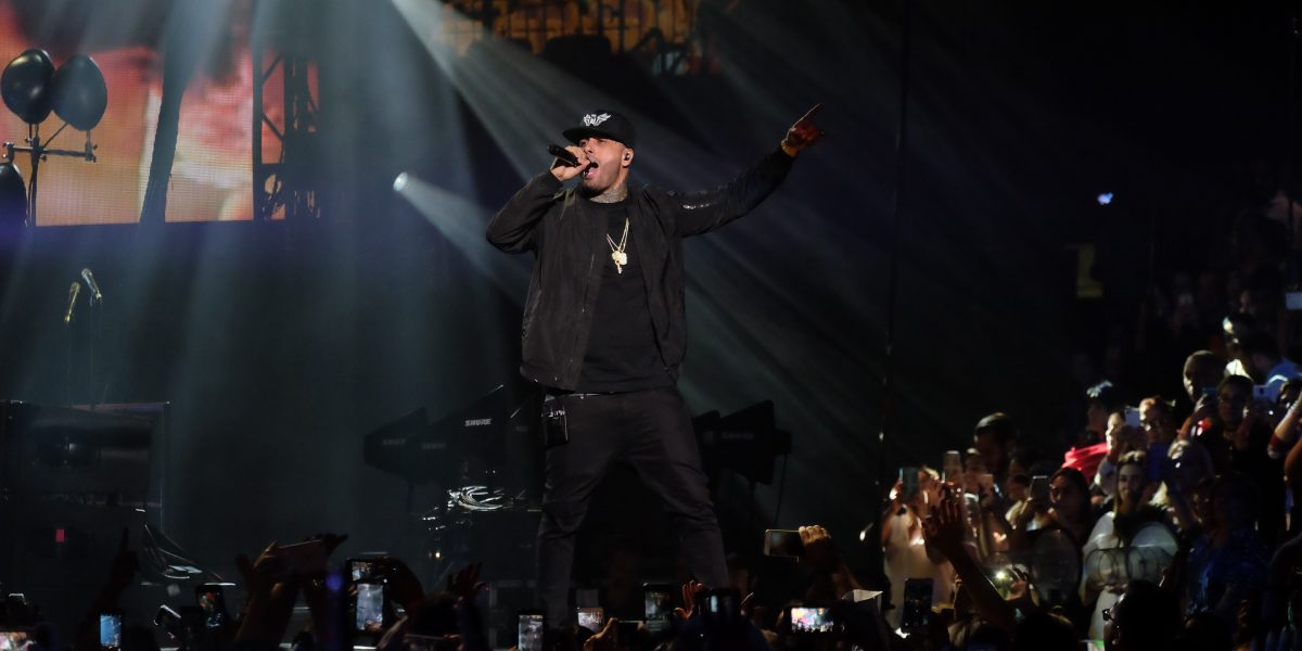 Nicky Jam sigue en el tope de los Top Latin Albums