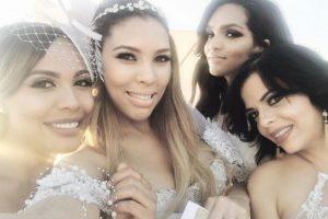 Zoila Ceballos junto a sus amigas