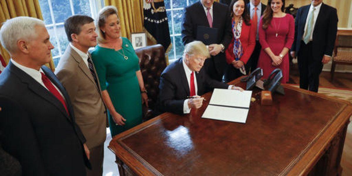 Crisis asedian al joven gobierno de Trump