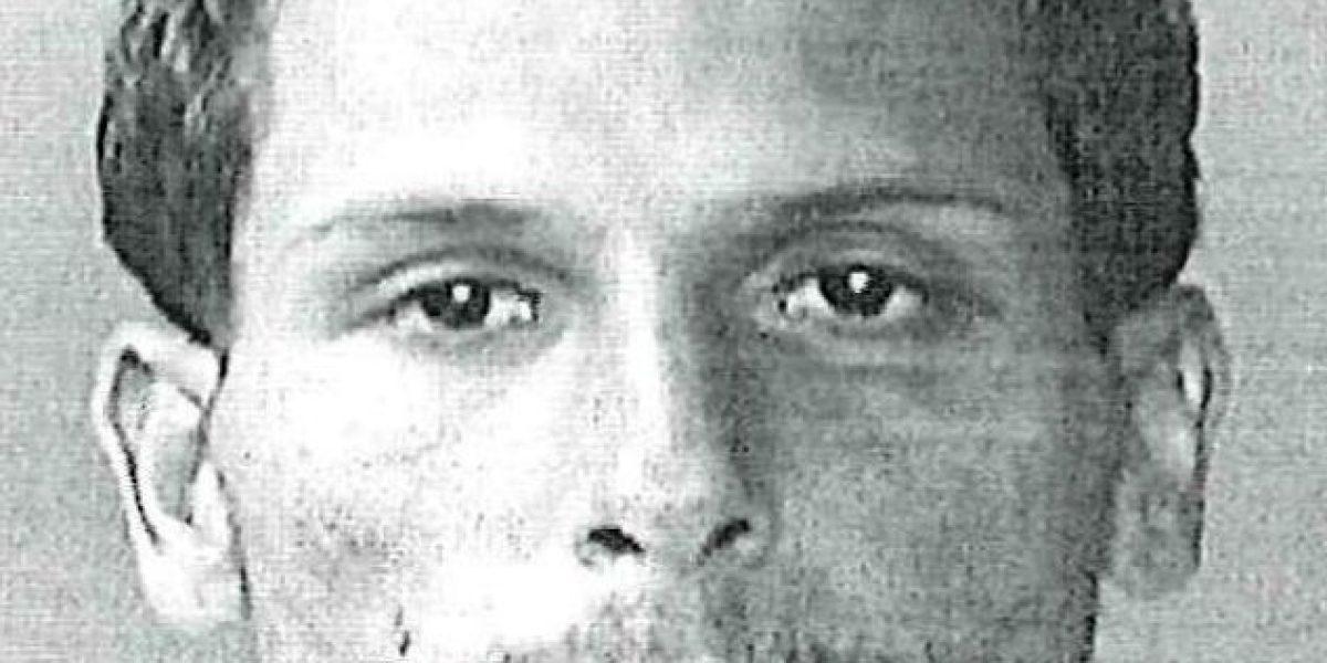 Encarcelan hombre por amenazar con un machete a una mujer