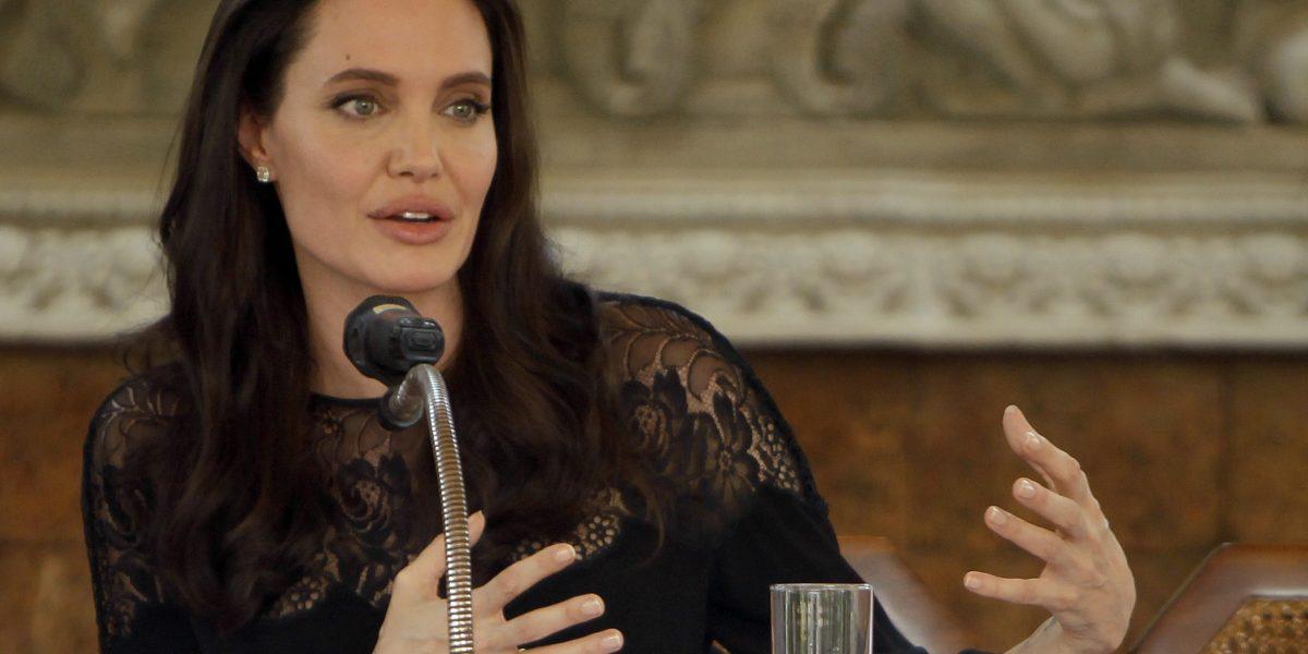 Angelina Jolie dirigirá película sobre guerra en Camboya