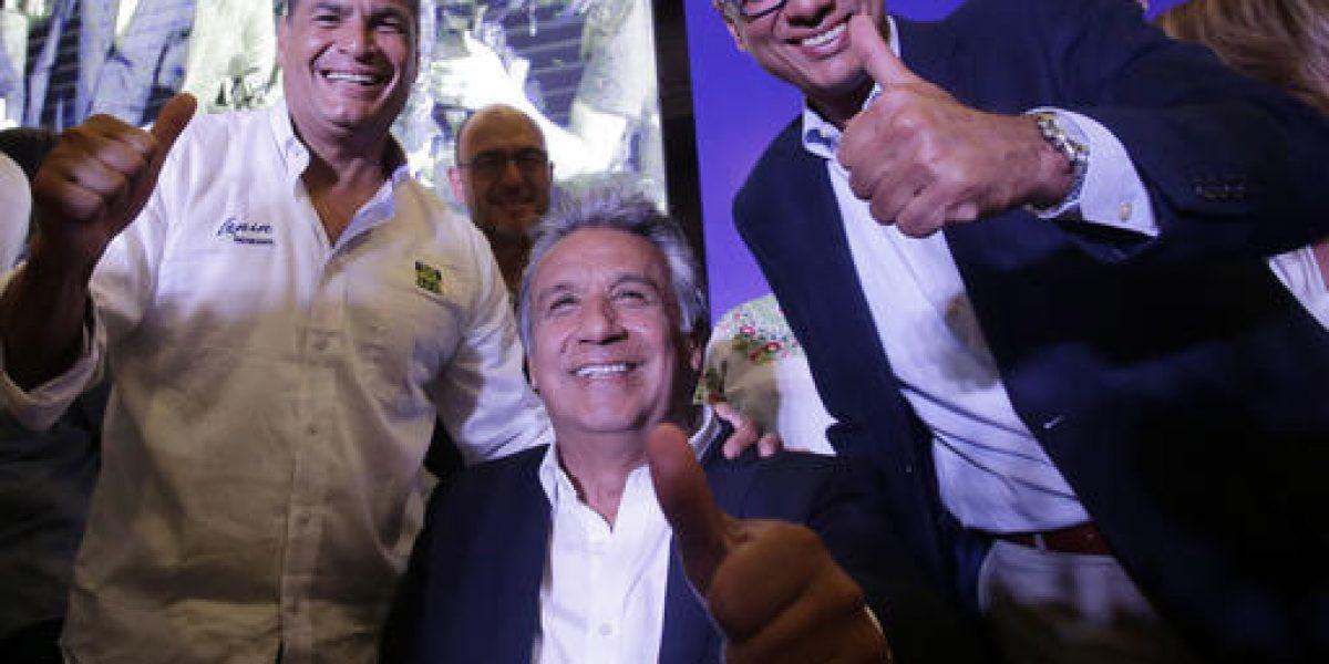 Candidato oficialista al frente en elecciones de Ecuador