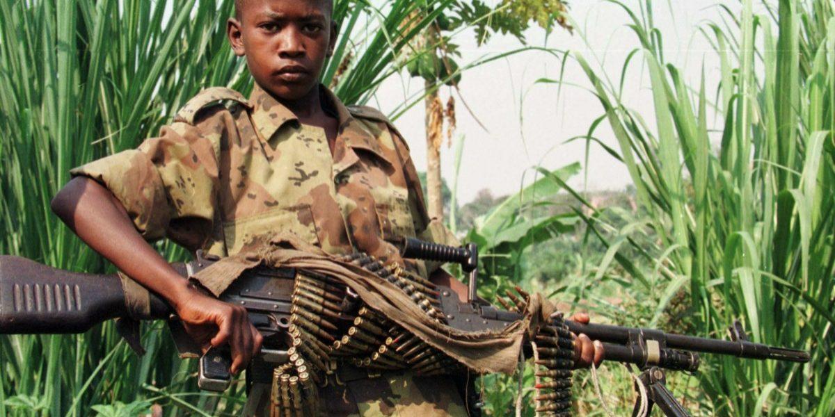 Papa Francisco lamenta aumento de niños soldados en Congo