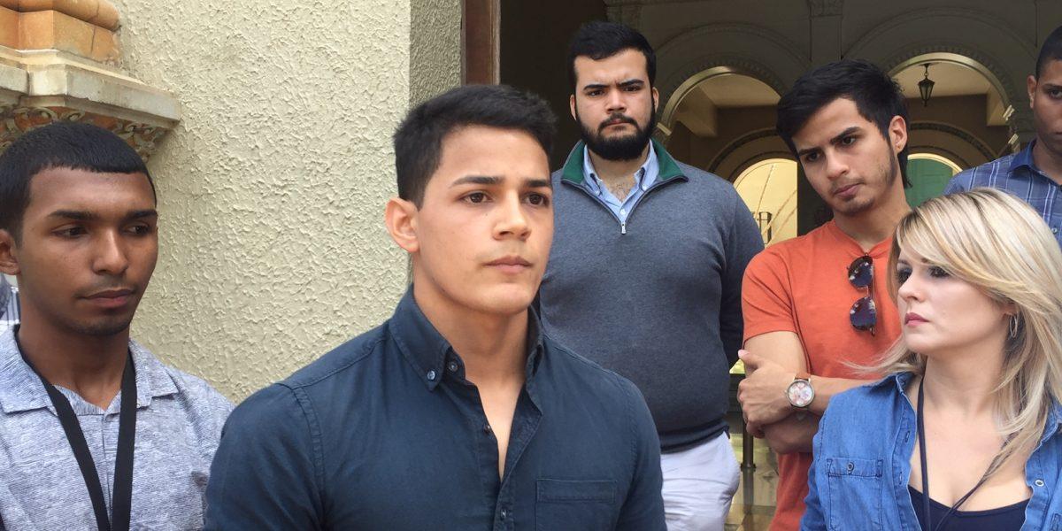 Grupo de estudiantes rechaza paralización de la UPR