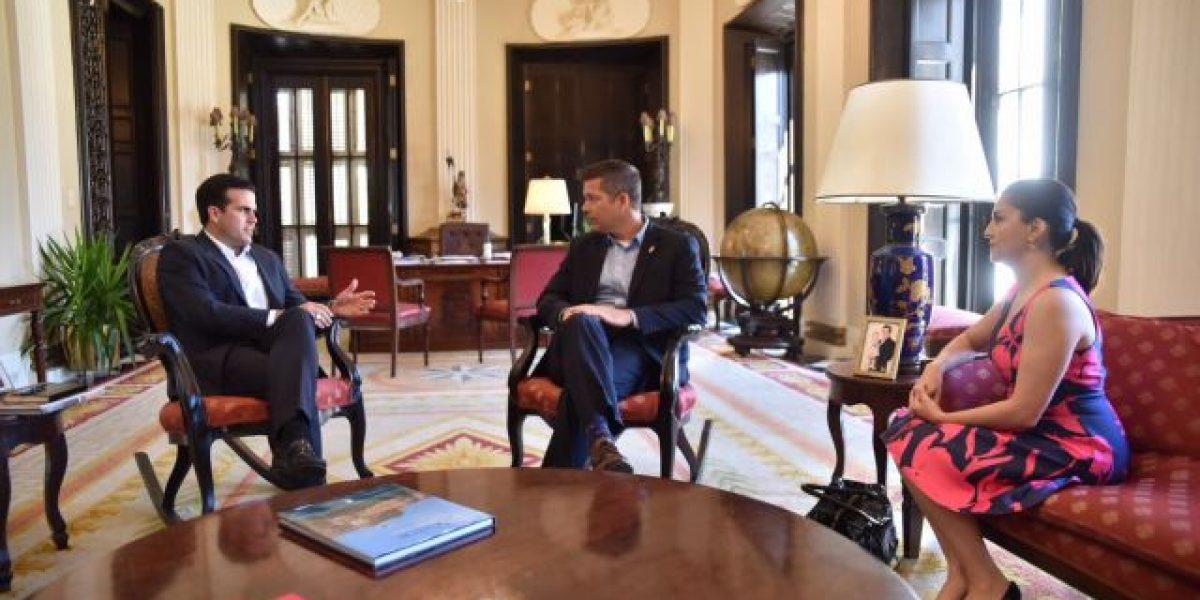 Gobernador recibe al congresista Duffy en Fortaleza