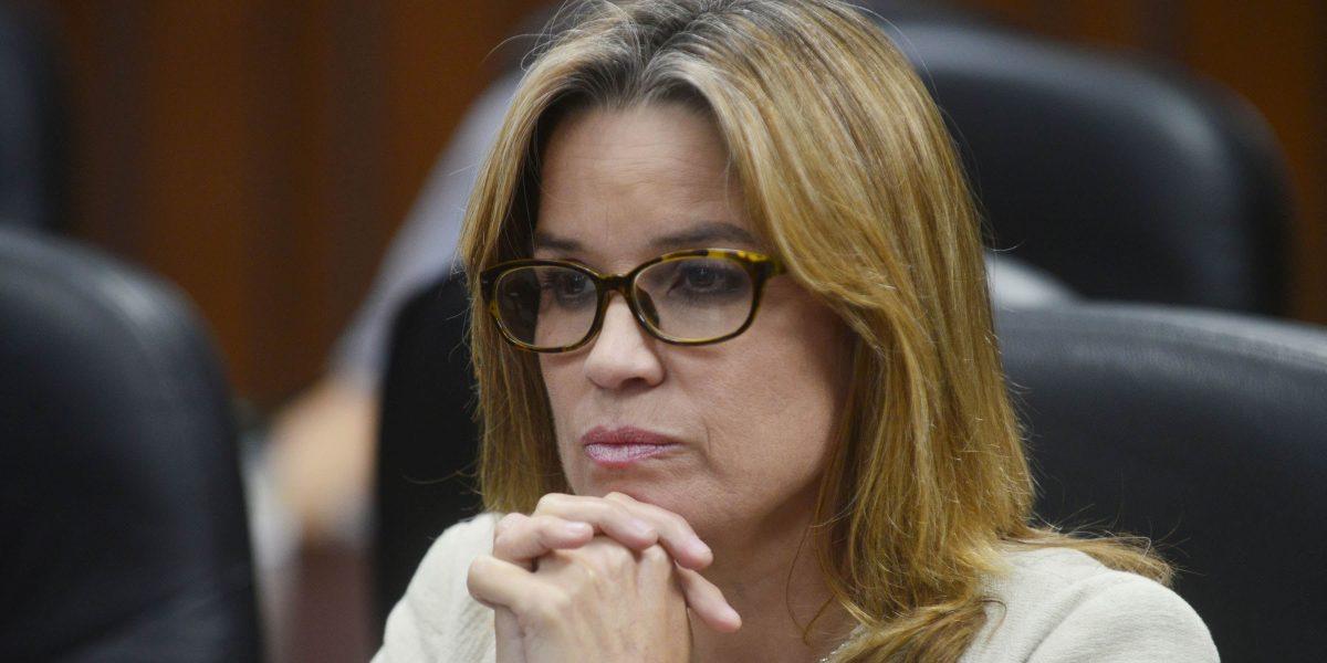 Denuncian alcaldesa de San Juan sufraga seguridad 24/7 a Oscar López