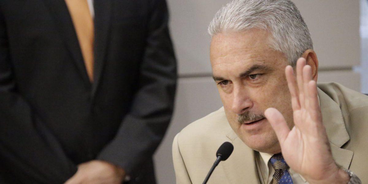Rivera Schatz adelanta habrá enmiendas en reforma de permisos