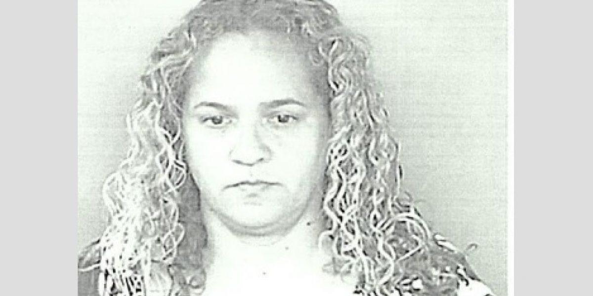 Radican cargos contra mujer policía que fingió carjacking