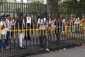 Universitarios en paro piden donaciones