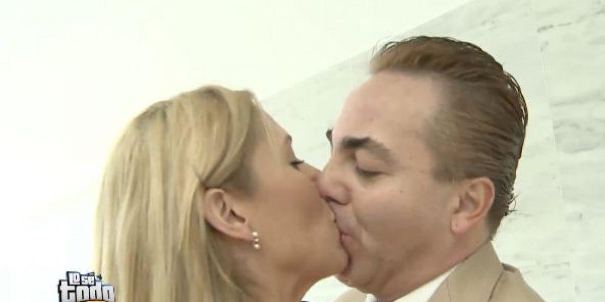 Yulianna Vargas se besa con Cristian Castro