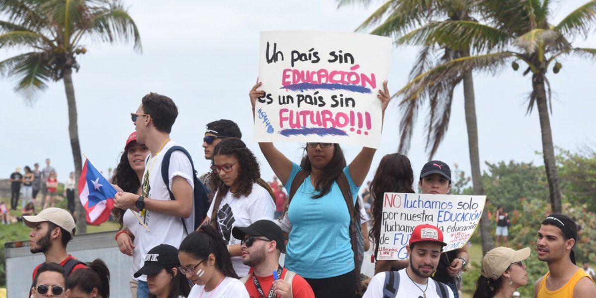 Decretan paro estudiantes en UPR de Carolina