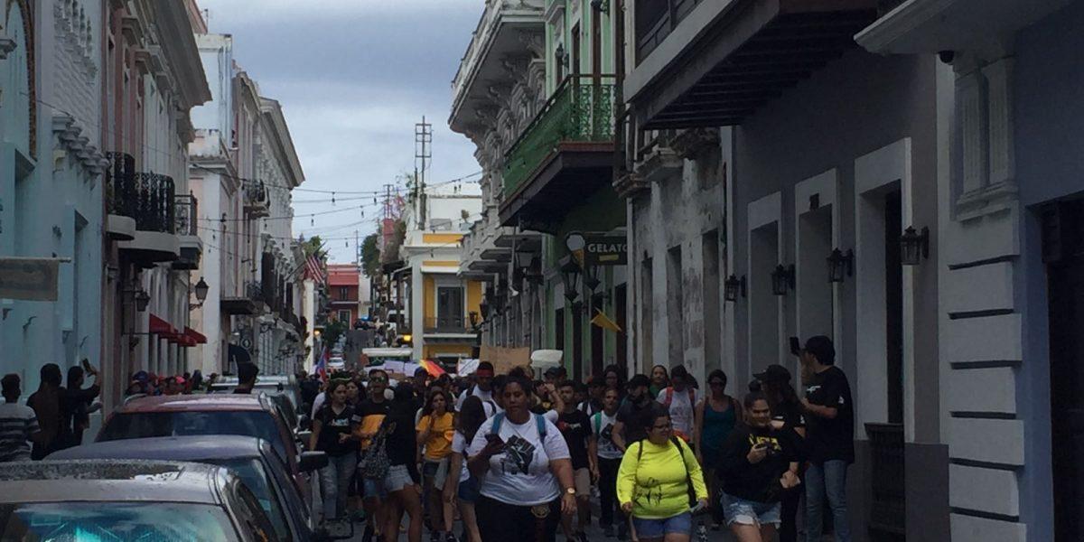 Estudiantes toman calles del VSJ tras protesta