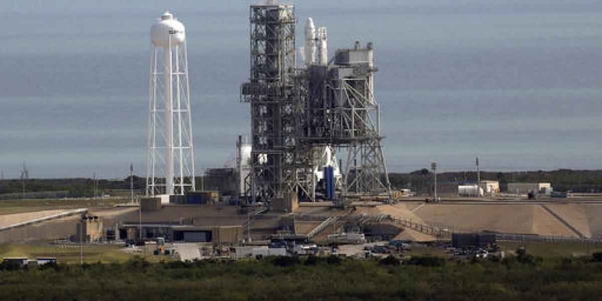 SpaceX completa con demora entrega en estación espacial